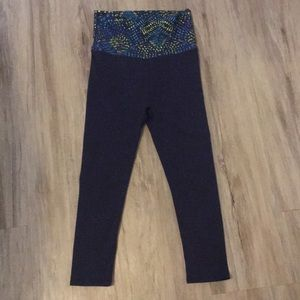 Fabletics fold over Capri yoga legging size XS